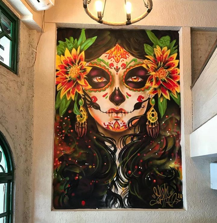 sammysosa-restaurant-graffiti-sugar-skulls-osiwara-mumbai-zake