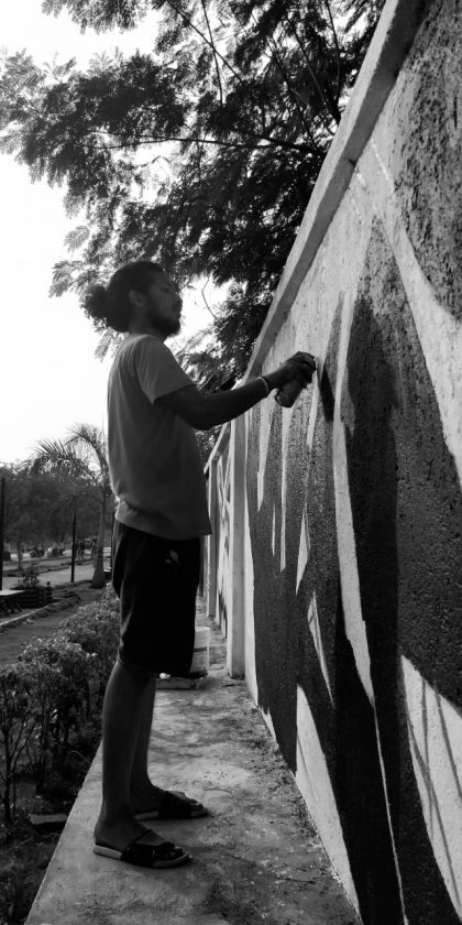 Krypt.One painting a wall in Vashi. Navi Mumbai